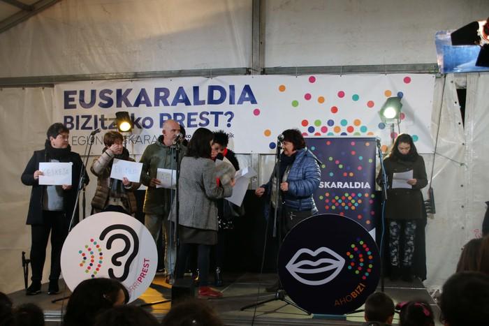Euskaraz gozatzeko deia Euskaraldiaren hasierako ekitaldian - 19