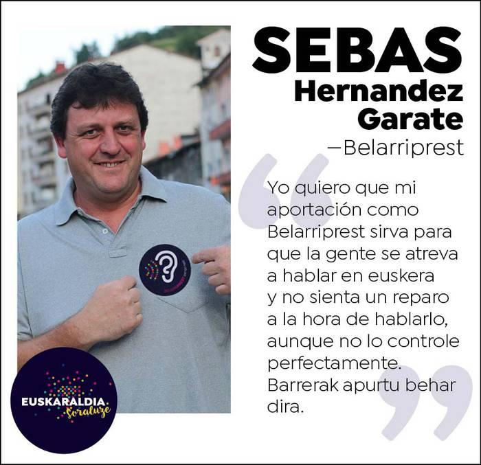"""Sebas Hernandez, belarriprest: """"Barrerak apurtu behar dira"""""""