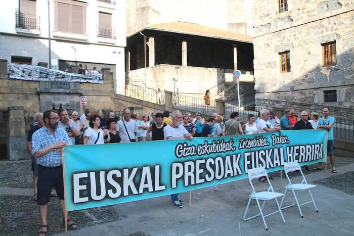 Euskal presoengatik plazan