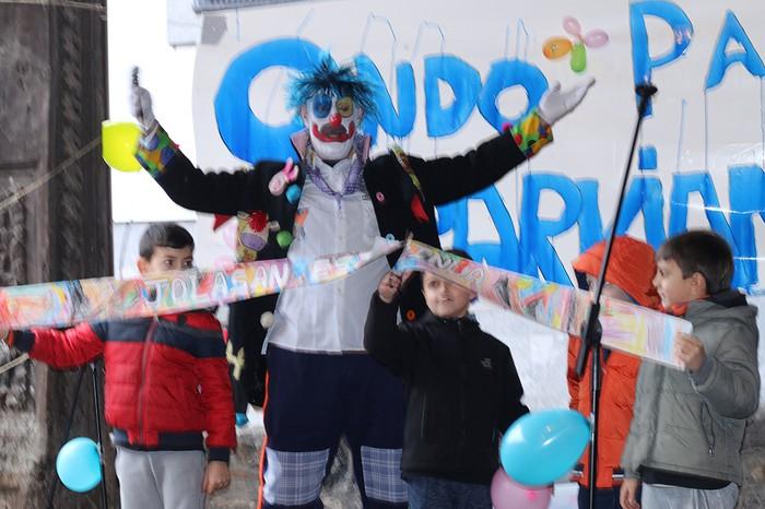 Porrotxek barreiatutako poza Estaziñoko parkearen inaugurazio festan - 50