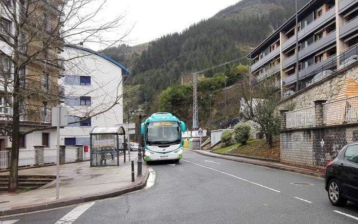 Gaizki-egona, autobusen ordutegi aldaketa dela-eta