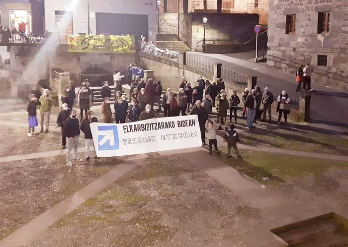 Euskal presoen baldintzak aldatu beharra aldarrikatu dute