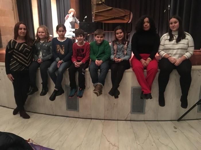 Soraluzeko zazpi piano ikasle Oñatin, Andoainerako praktikatzen