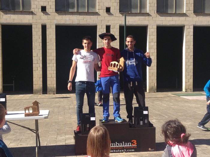 Azken bi lasterketatan podiuma egitea lortu du Ander de Luisek