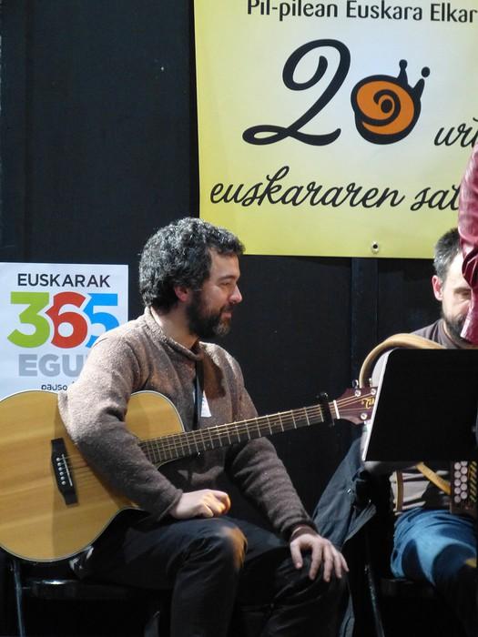 Euskararen eguneko argazkiak (2/3): ekitaldiak - 71