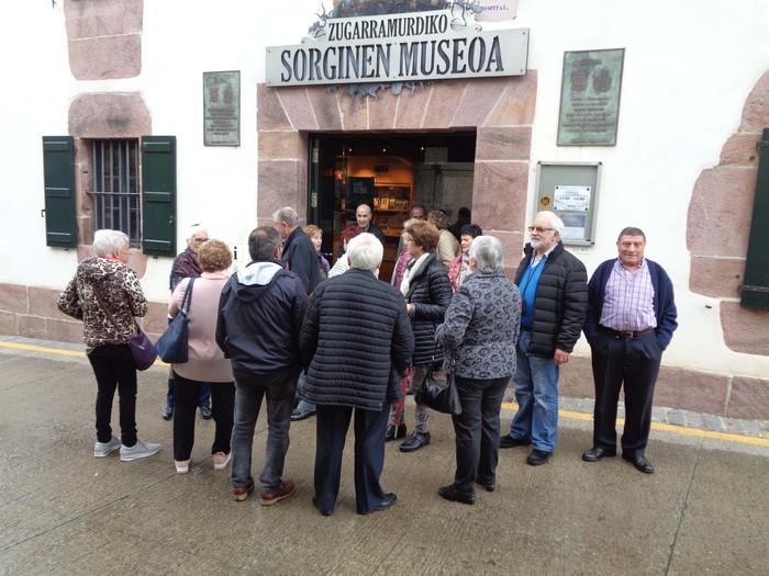Koba, museoa eta beste ikusi zituzten bertatik bertara - 8