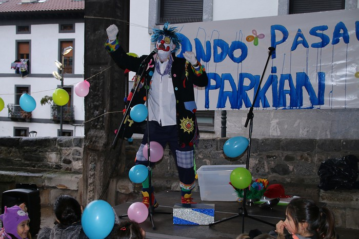 Porrotxek barreiatutako poza Estaziñoko parkearen inaugurazio festan - 27