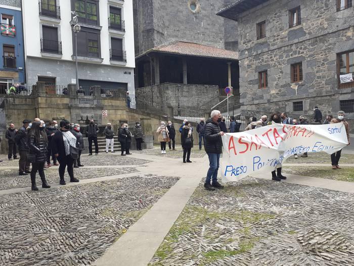 Preso Politikoen askatasunaren alde, plazan