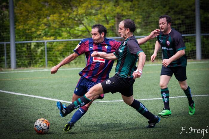Soraluze futbol taldeak 40. urteurreneko ospakizuna egin zuen Ezozin - 9