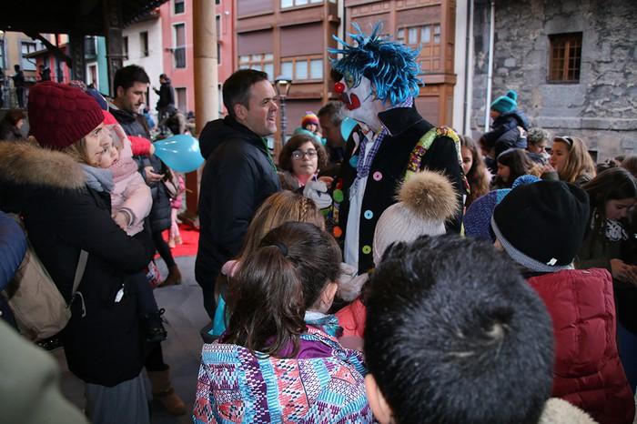 Porrotxek barreiatutako poza Estaziñoko parkearen inaugurazio festan - 45