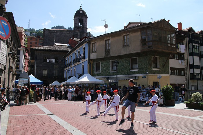Euskal Jaia herritarren eta eguraldiaren berotasunarekin gauzatu zuten - 5