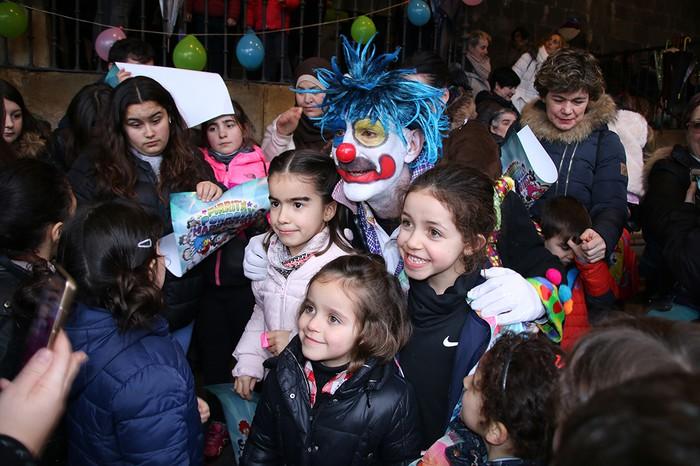 Porrotxek barreiatutako poza Estaziñoko parkearen inaugurazio festan - 38