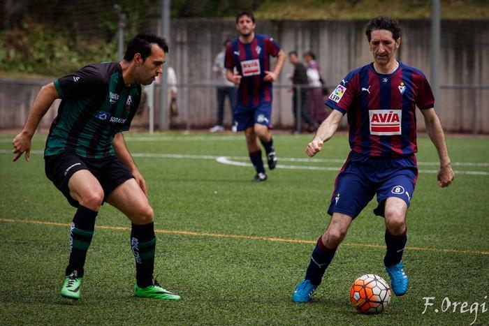 Soraluze futbol taldeak 40. urteurreneko ospakizuna egin zuen Ezozin - 18