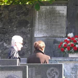 Joan zirenekin oroitzeko eguna