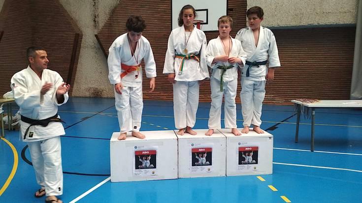 Soraluzeko judoka gazteak Ondarroan