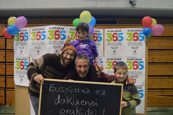 Euskararen Eguneko argazkiak (1/3): photocalla - 7