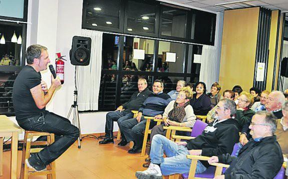 """""""De Extremadura al bertsolarismo"""" hitzaldia Itxaropenan"""