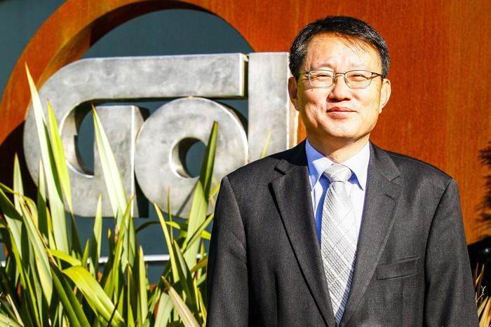 """Seung Woo Han: """"Enpresa hau denbora luzez sostengatuko dugu"""""""