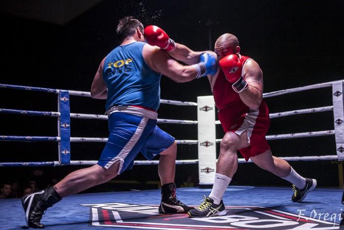 Jendetza eta borrokaldi zirraragarriak zapatuko boxeo-jaialdian - 24
