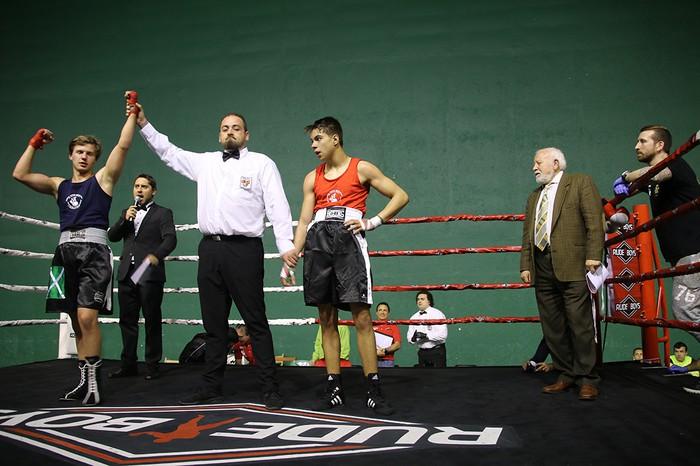 Zapatuko jaialdian berrogei kirolarik jardun zuten borrokan Euskadiko boxeo tituluengatik