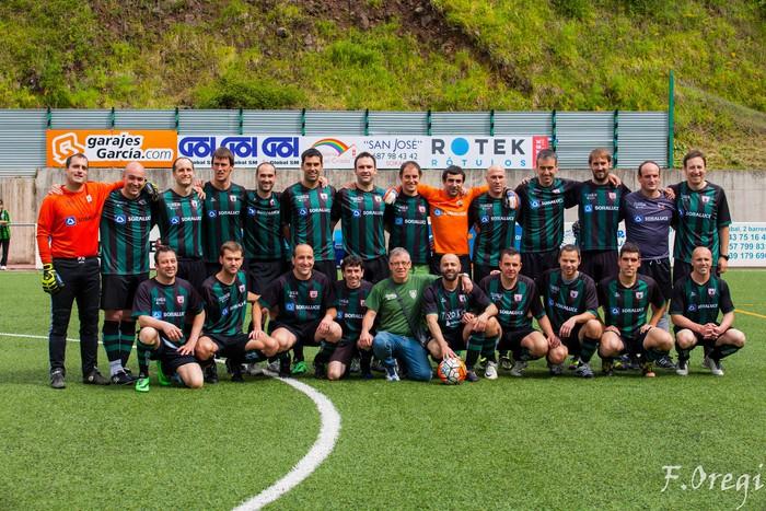 Soraluze futbol taldeak 40. urteurreneko ospakizuna egin zuen Ezozin - 7