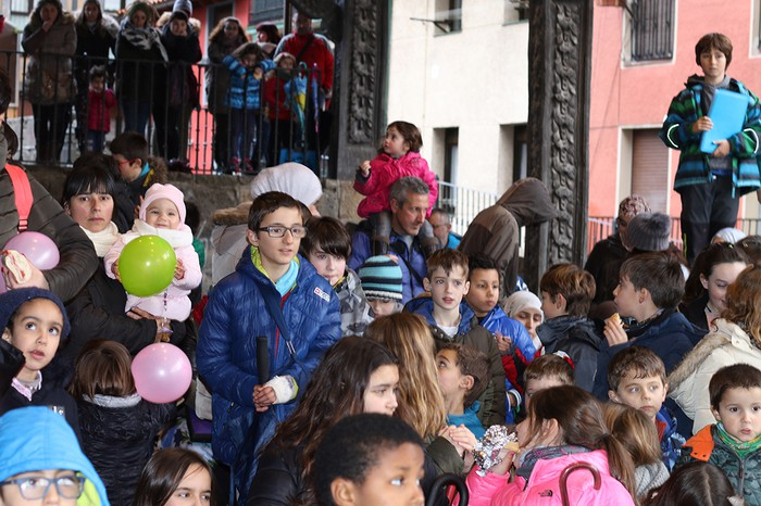 Porrotxek barreiatutako poza Estaziñoko parkearen inaugurazio festan - 23