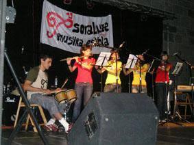 Rock taldeak Musika Eskolako kurtso bukaerako kontzertuan