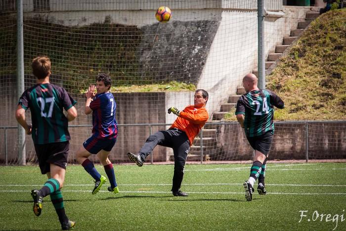 Soraluze futbol taldeak 40. urteurreneko ospakizuna egin zuen Ezozin - 10