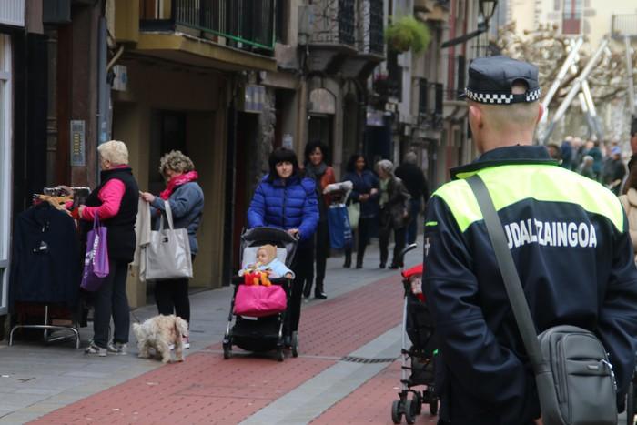 Lapurreten gaia aztergai Euskadi Irratian