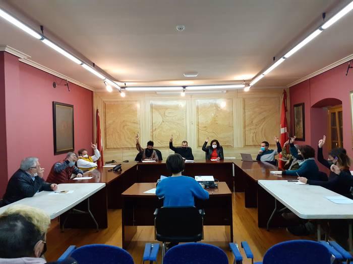 Euskal presoei ezarritako urruntze politikak eragiten duen sufrimendua aitortu dute, aho batez