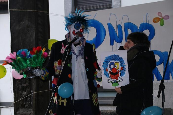 Porrotxek barreiatutako poza Estaziñoko parkearen inaugurazio festan - 25
