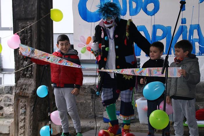 Porrotxek barreiatutako poza Estaziñoko parkearen inaugurazio festan - 29