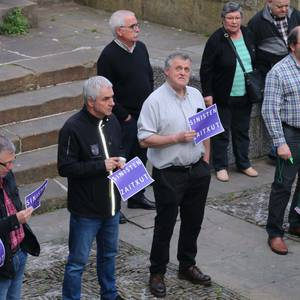 'Sinisten Zaitxut' aldarrikatu zuten plazan