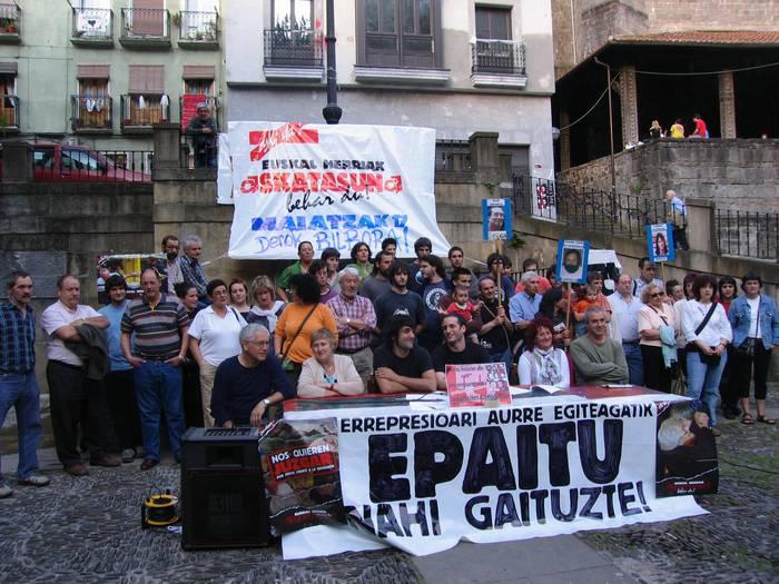 AAMren aldeko manifestaziorako autobusa bihar
