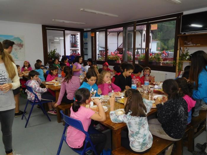 'Ume gaiztoen festa' zoragarria Lasturren - 26