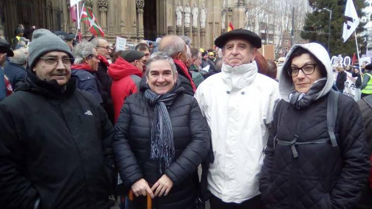 """""""Euskal herritarrak defendatzea"""" eskatu zioten atzo legebiltzarrari"""