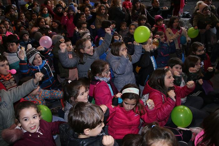 Porrotxek barreiatutako poza Estaziñoko parkearen inaugurazio festan - 26