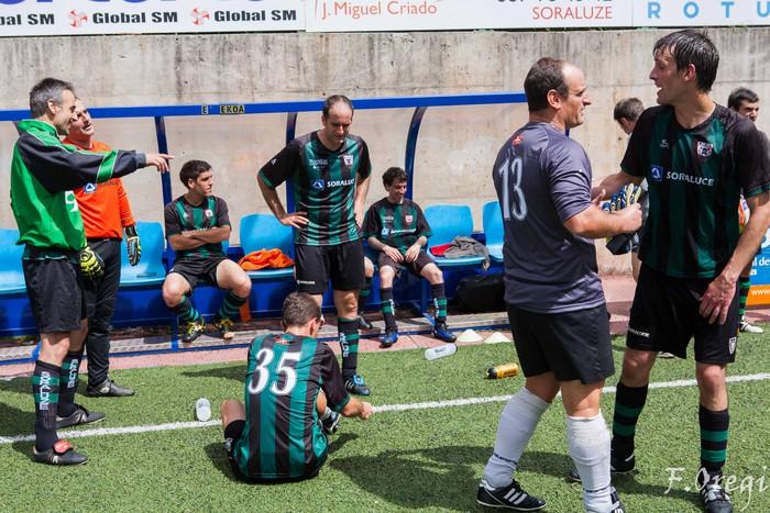 Soraluze futbol taldeak 40. urteurreneko ospakizuna egin zuen Ezozin - 4