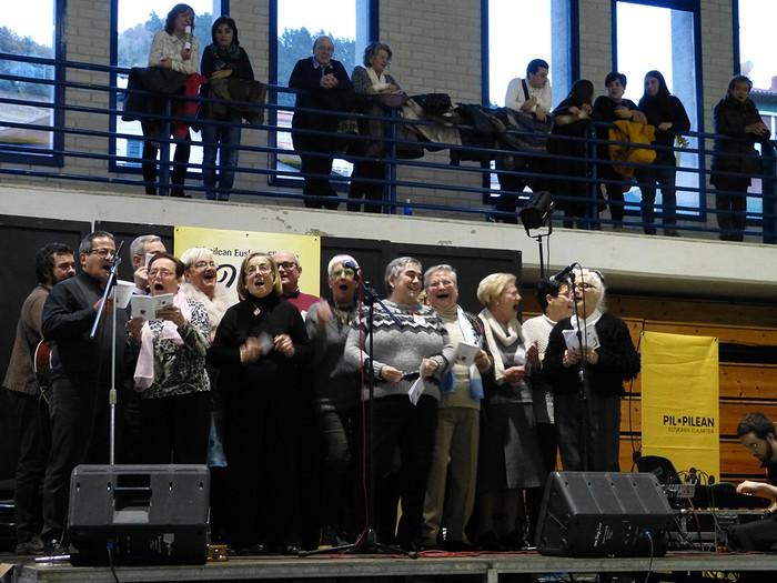 Euskararen eguneko argazkiak (2/3): ekitaldiak - 56