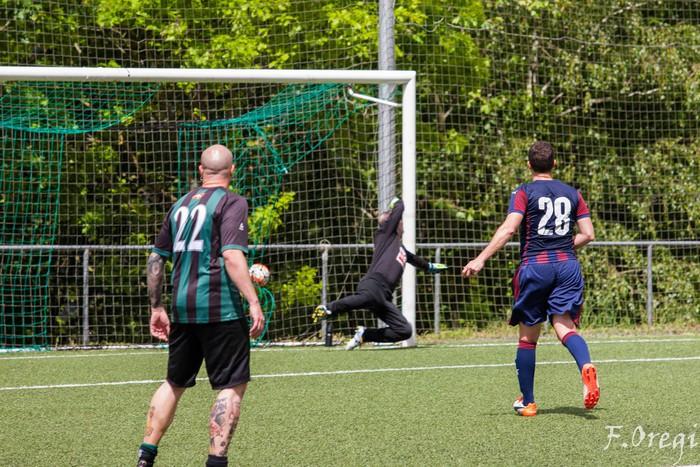 Soraluze futbol taldeak 40. urteurreneko ospakizuna egin zuen Ezozin - 2