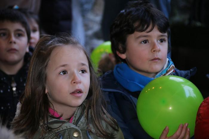 Porrotxek barreiatutako poza Estaziñoko parkearen inaugurazio festan - 13