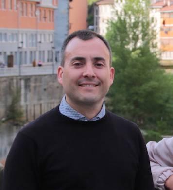 """Iker Aldazabal: """"Zerbitzu publikorako bokazioa daukat"""""""