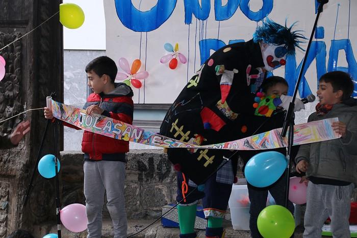 Porrotxek barreiatutako poza Estaziñoko parkearen inaugurazio festan - 28